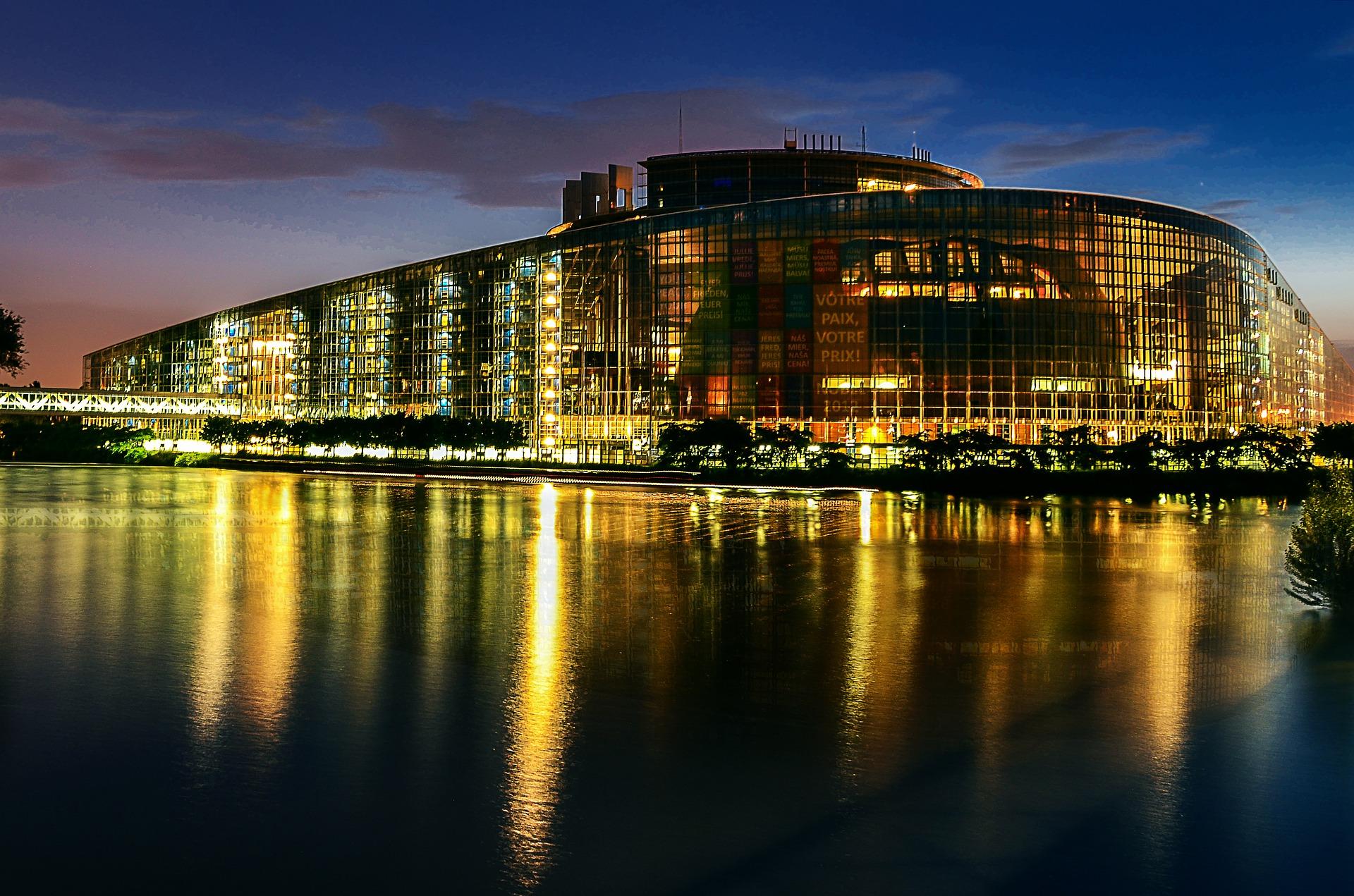 european-parliament-2224221_1920