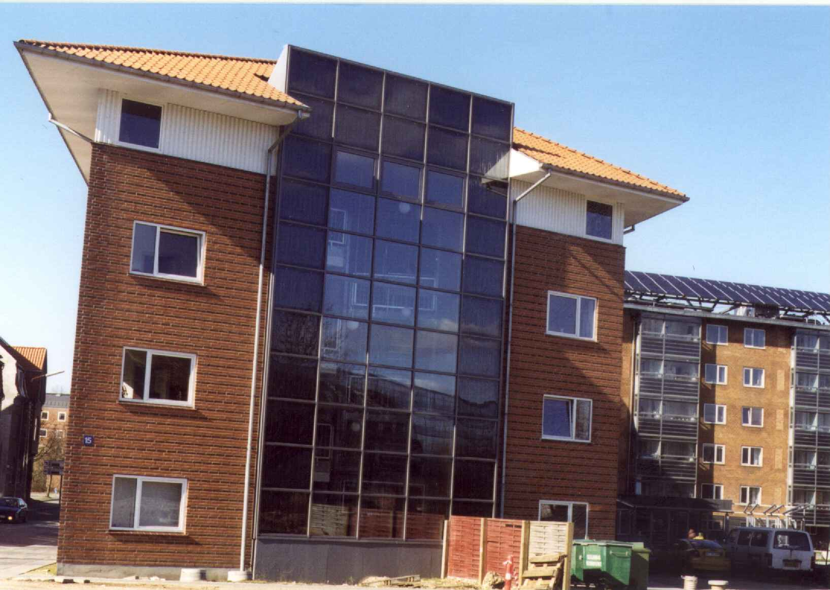 Batec Solar Heat Europe – Facade integrated collectors in larger residential building in Denmark