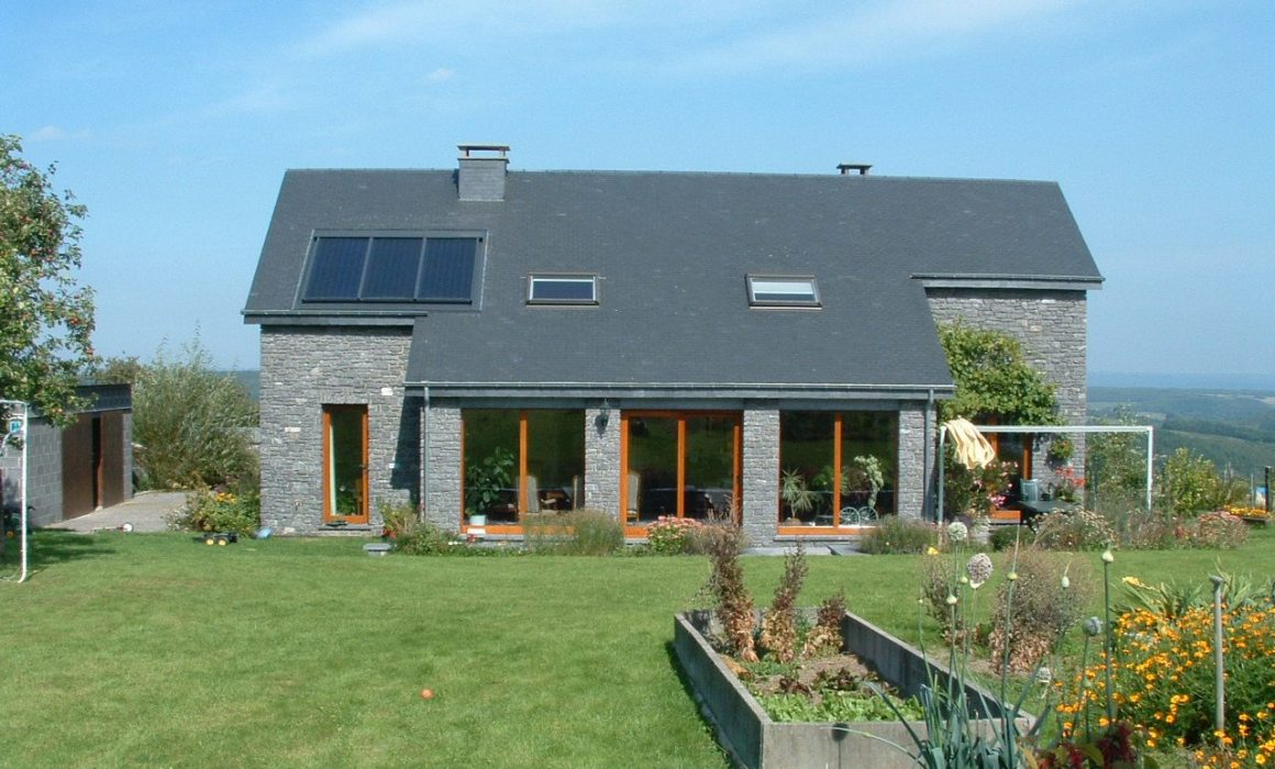 GASOKOL Solar Heat Europe – Roof-integrated flat plate collector on a detached house in Belgium