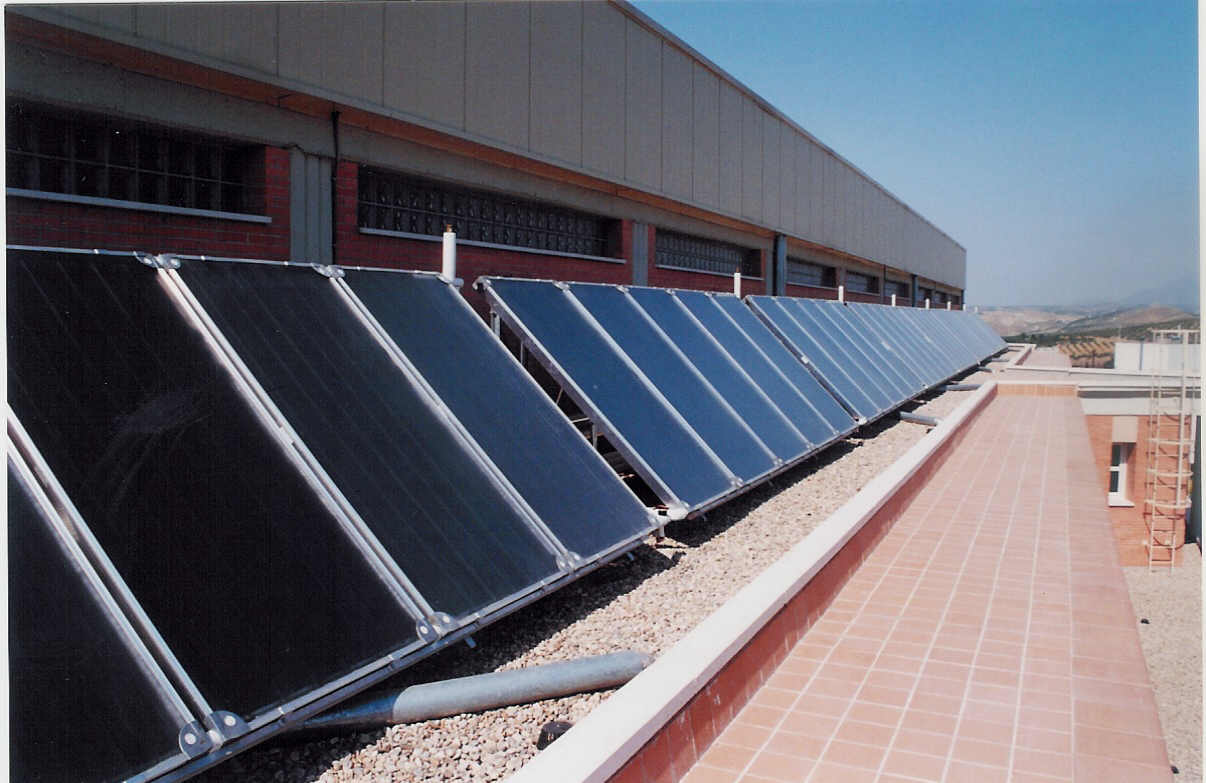 Solahart Solar Heat Europe – Collectors for DHW in University