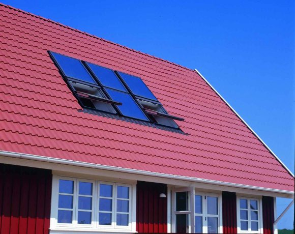 Velux Solar Heat Europe – Roof integrated flat plate collectors on house in Denmark