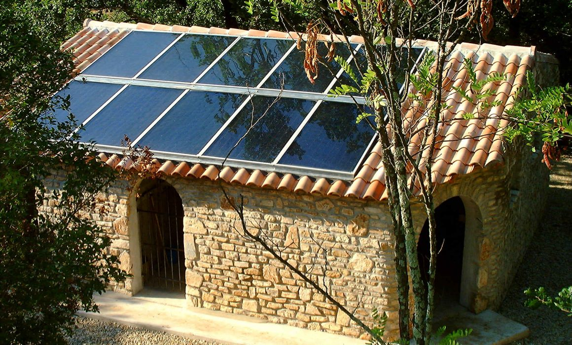 Wagner & Co Solar Heat Europe – Roof integrated flat plate collectors – V2