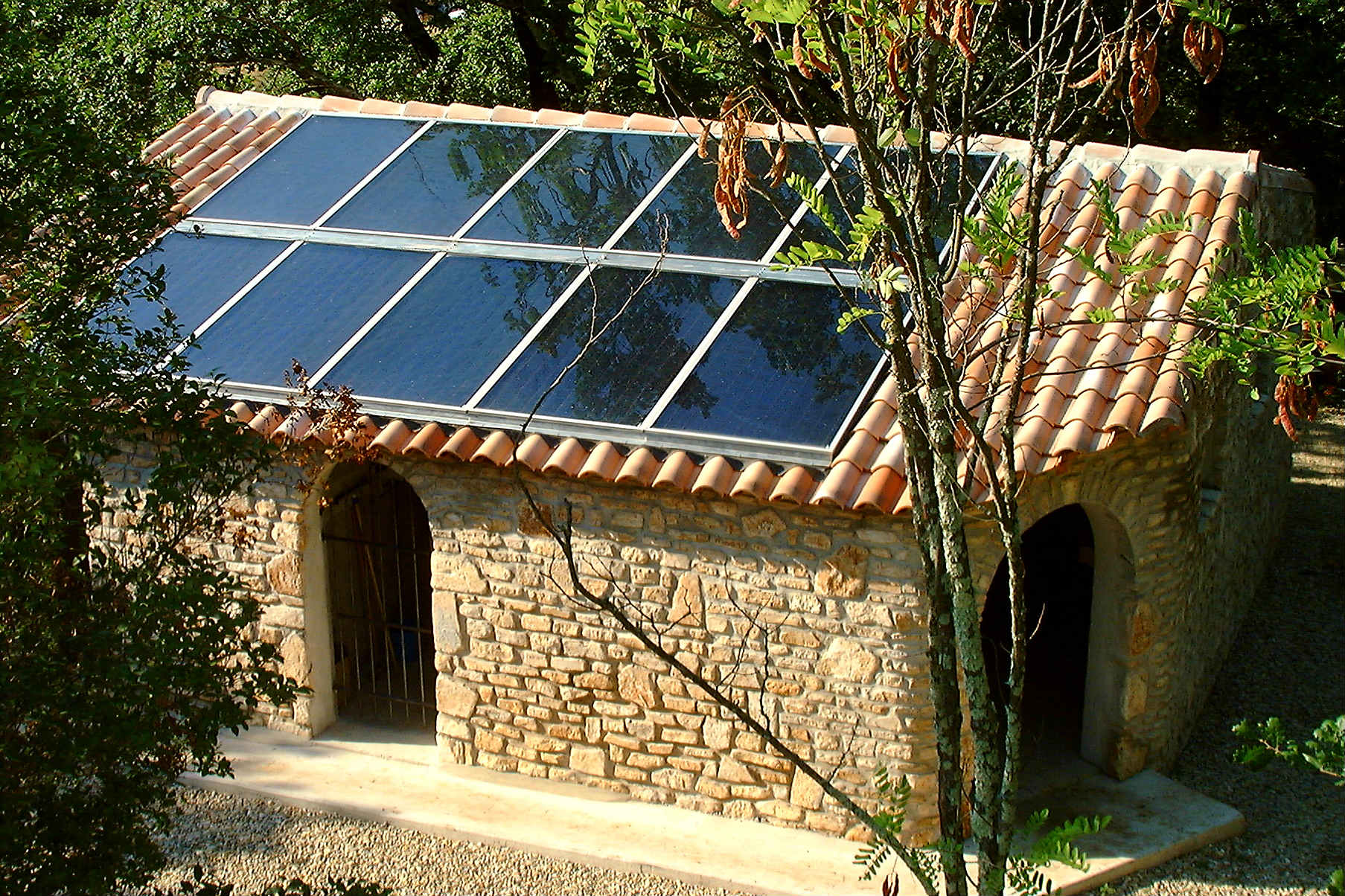 Wagner&Co Solar Heat Europe – Roof integrated flat plate collectors – V2