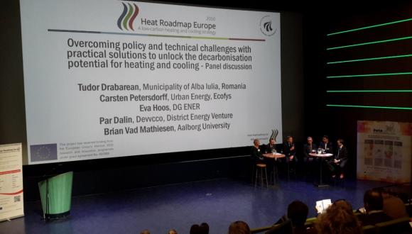 Heat Roadmap Europe: decarbonisation pathways for Europe