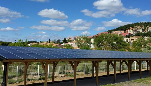 Increasingly popular: Heat and power from the same roof (PVT technology)